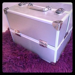 Makeup Artist Train Case with 5 compartments